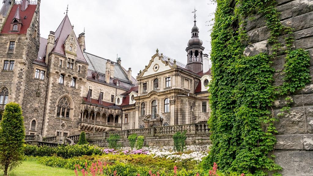 Zamek w Mosznej zwiedzanie