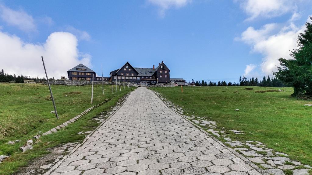 Schronisko na Hali Szrenickiej