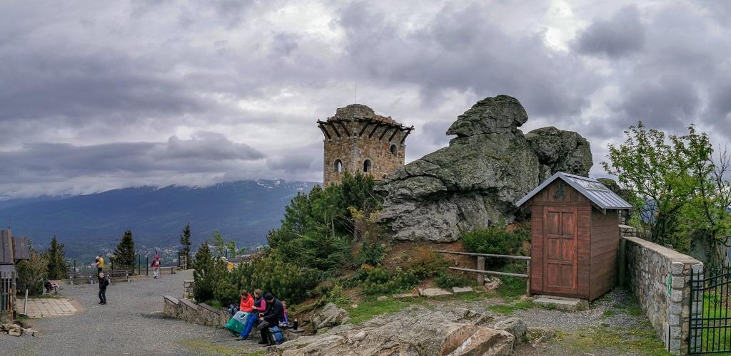 Wysoki Kamień Schronisko