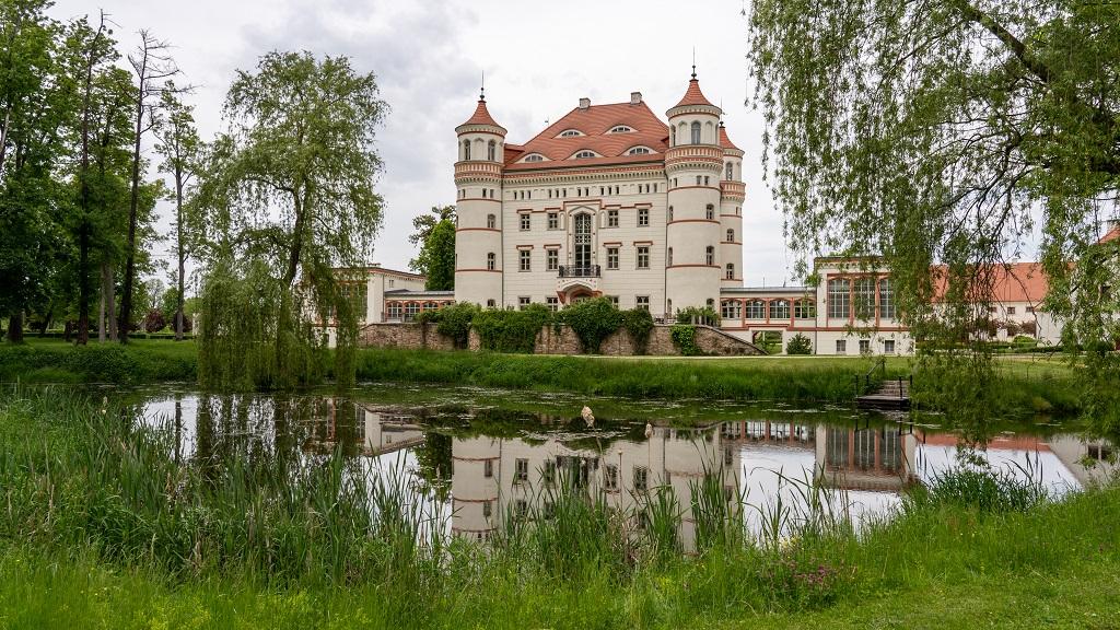 Pałac w Wojanowie Karpacz Atrakcje