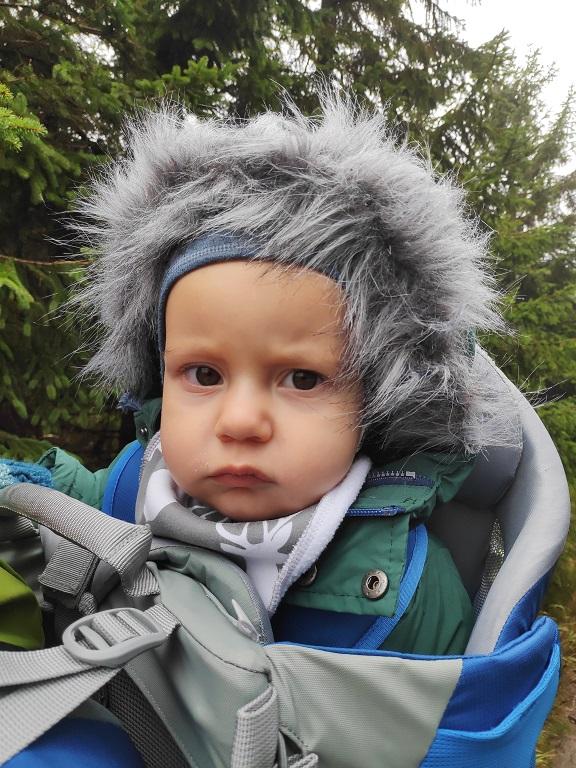dziecko w górach
