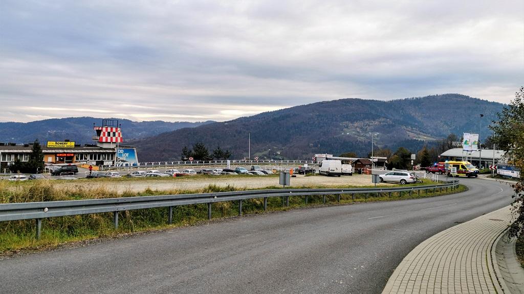 Parking na Górze Żar / Międzybrodzie Żywieckie
