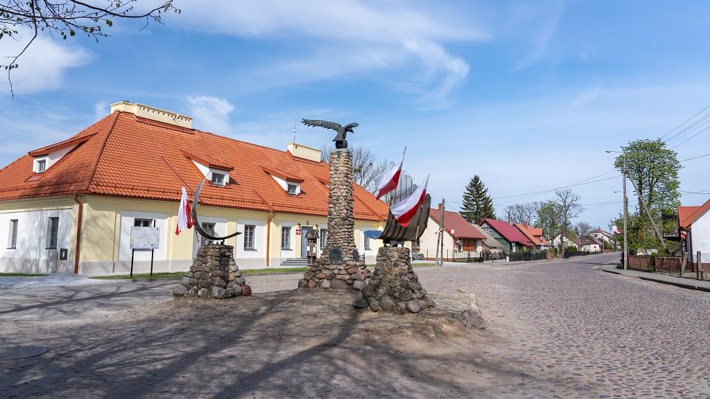 pomnik orla białego w Tykocinie
