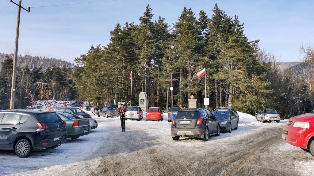 parking na przełeczy Rydza Śmigłego